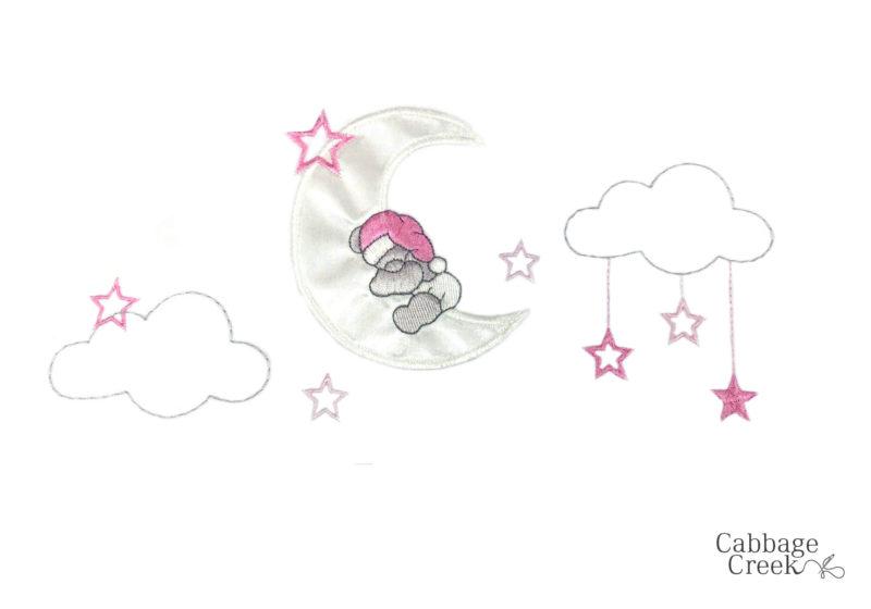 5 PIECE COT LINEN SET - SLEEPY BEAR ON MOON PINK